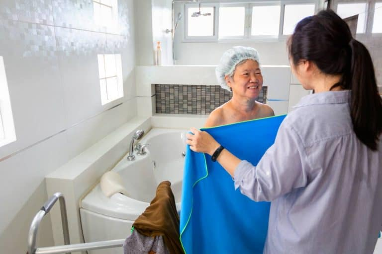 Best walk in bathtubs for seniors