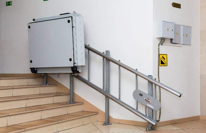 Incline platform wheelchair lift