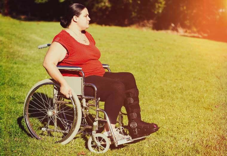 Heavy-duty manual wheelchairs