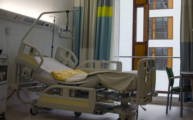 Hospital bed for improved bed mobility